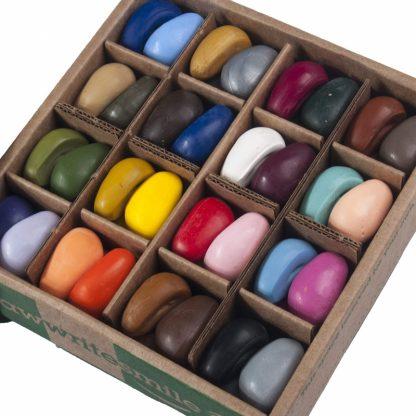 Crayon Rocks (2x 32 kleuren - 62 krijtjes) Schooldoos inhoud