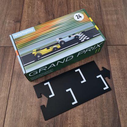 waytoplay grandprix 24-delig verpakking liggend met baandeel op een houten vloer