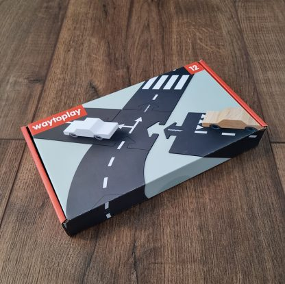 waytoplay ringroad 12 delig verpakking liggend op houten vloer
